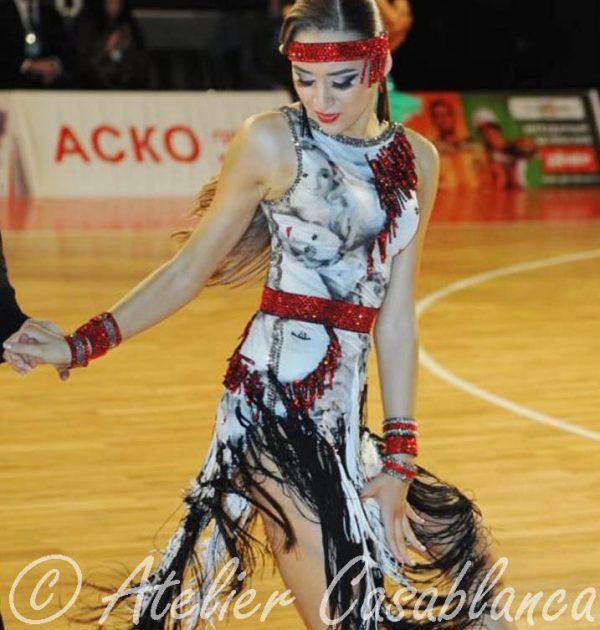 LK-BAJ8-Slaviana-Titkova-WhiteBlackRed-Lat (9)